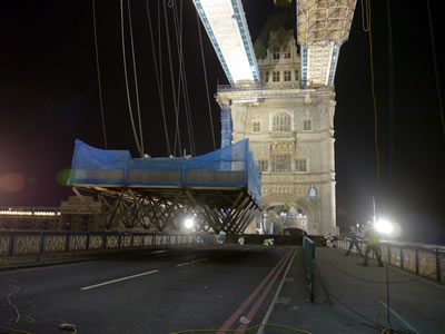 The second Space Frame platform being lowered onto Tower Bridge